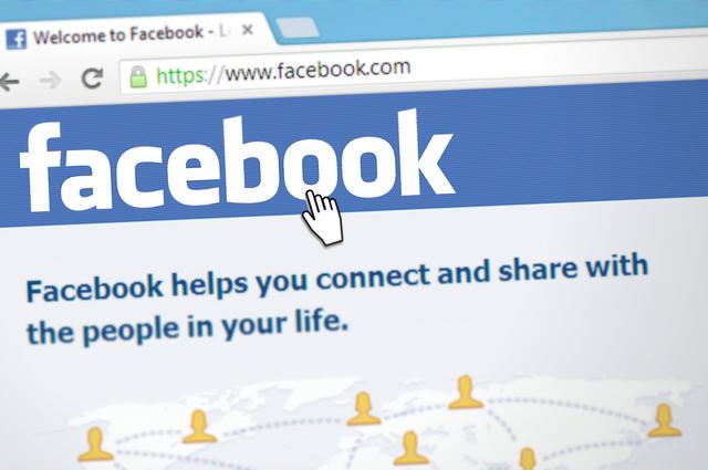 sociální síť fb