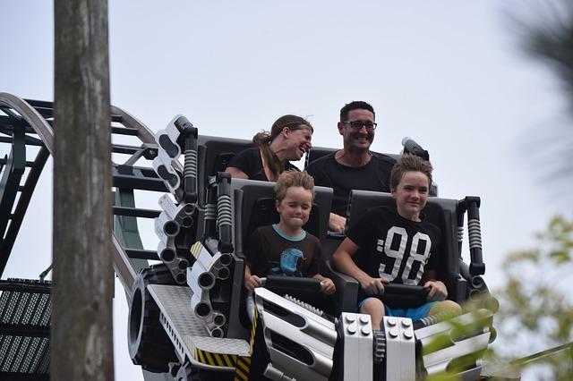 rodina na horské dráze.jpg