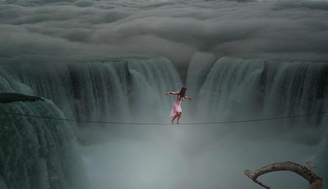 lano nad vodopádem