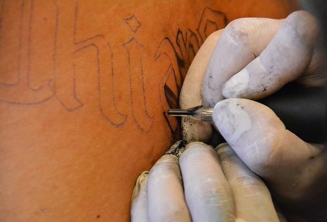 Tetování bez strojku